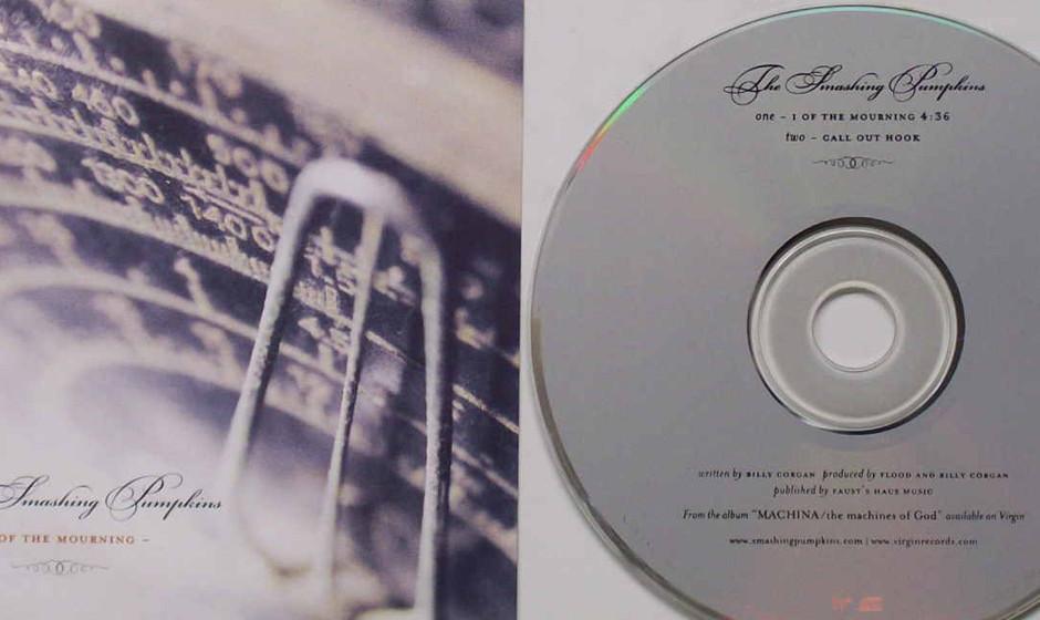 22. I Of The Mourning ('Machina – The Machines Of The God'). Selten genug erzählt Corgan Songs aus fremder Perspektive. Hi