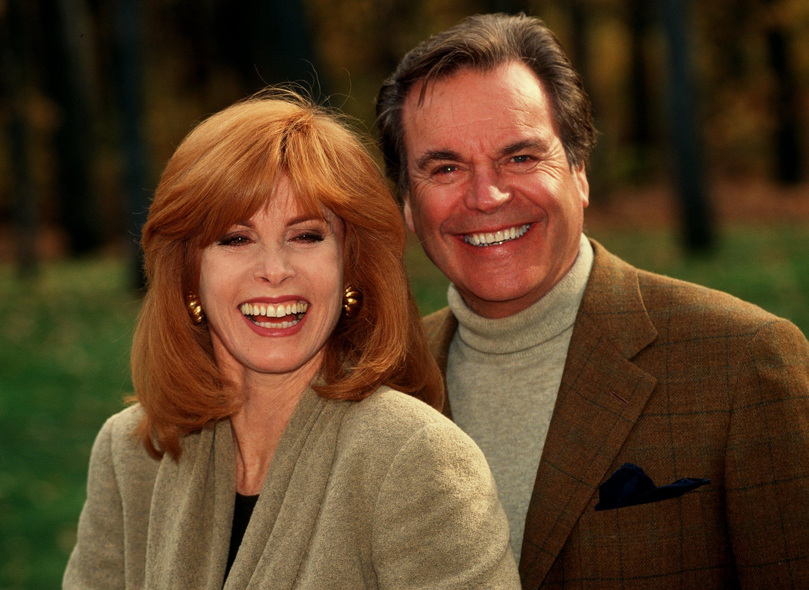 Stefanie Powers und Robert Wagner als Ehepaar Jennifer und Jonathan Hart. Robert Wagner und Stefanie Powers stehen wieder als