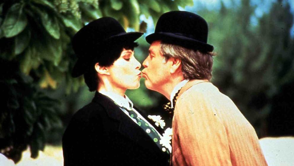 Hart To Hart: Old Friends Never Die  (1994) Stefanie Powers, Robert Wagner Die Verkleidung macht die Angelegenheit für Jenni