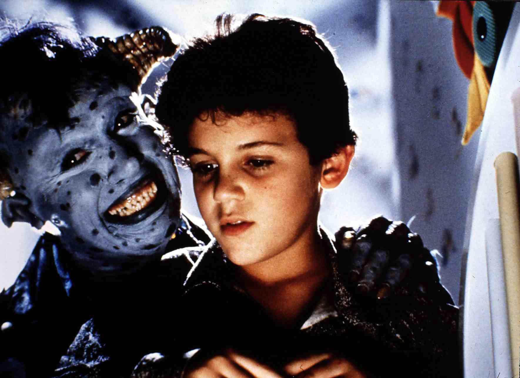 Little Monsters  (1989) Howie Mandel, Fred Savage   Maurice (Howie Mandel,l) freundet sich mit Brian (Fred Savage) an. Regie:
