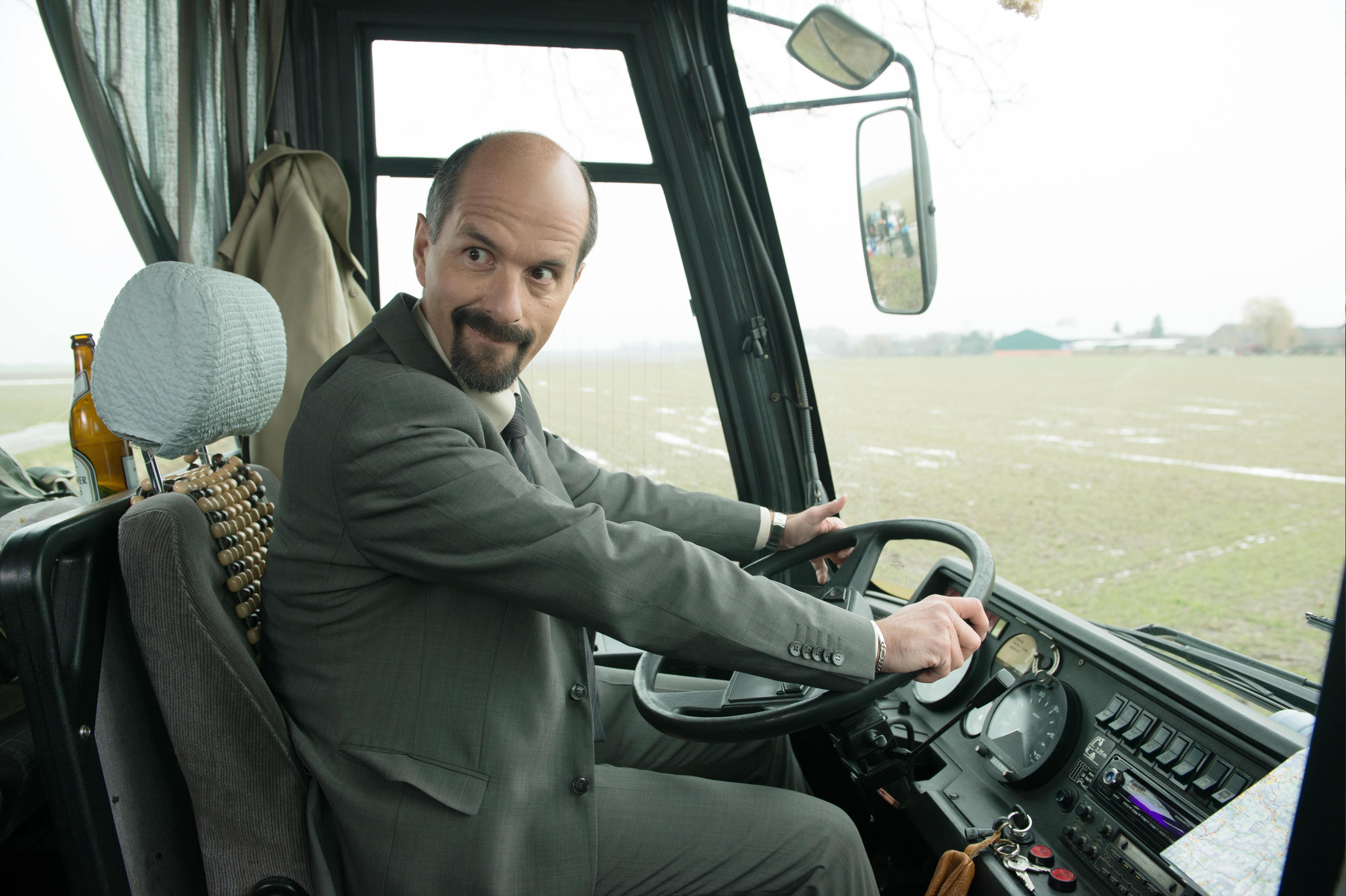 HANDOUT - Der Schauspieler Christoph Maria Herbst als Bernd Stromberg in einer undatierten Filmszene des Kinofilms «Stromber