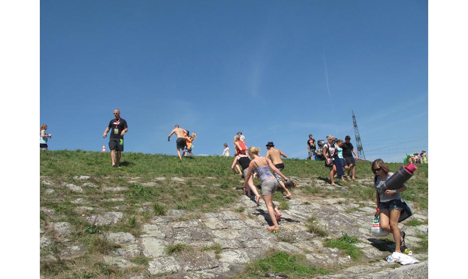 In Österreich ist Bergsteigen auch ein Hobby für junge Leute.