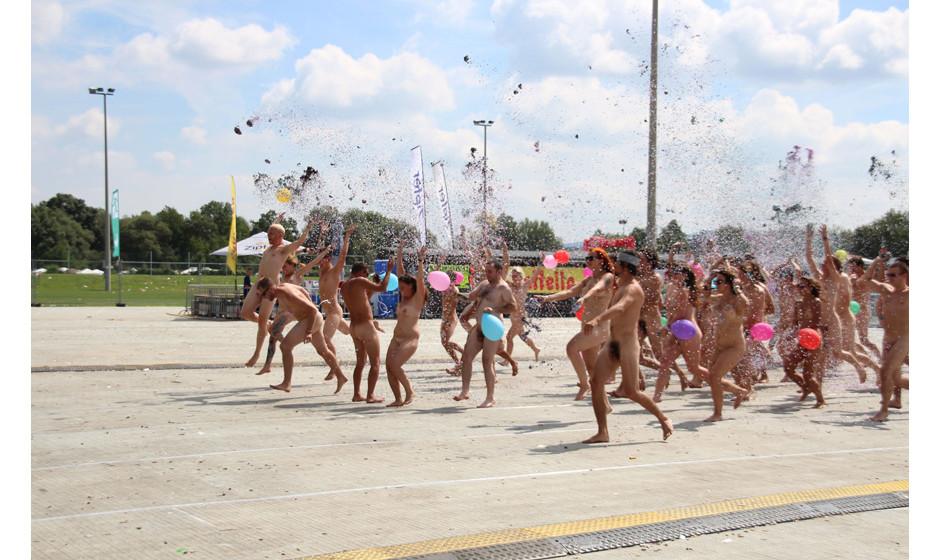 ... die bei den letzten beiden Festivals als Protestaktionen gegen das Pussy Riot-Verfahren inszeniert wurden.