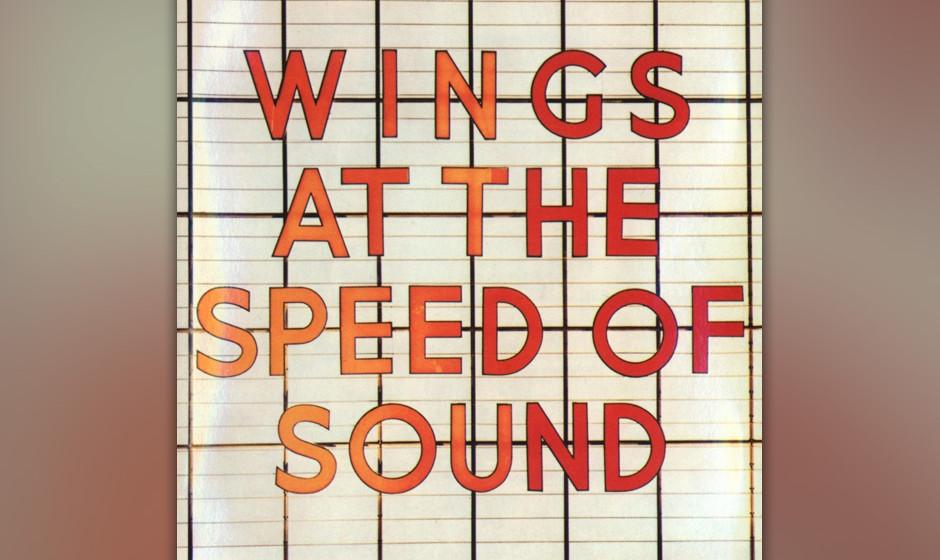 """38. Warm And Beautiful (Auf """"Wings At the Speed Of Sound"""", 1976). Die große Klavierballade, die """"Wings At the Speed Of"""