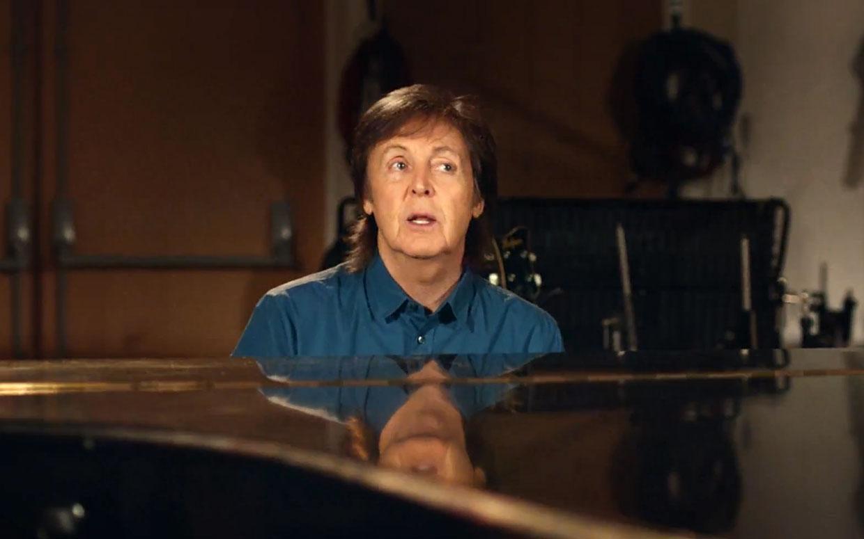 51. 'Queenie Eye' (Auf 'New', 2013). Im Studio improvisiert mit Adele-Produzent Paul Epworth macht McCartney aus einem alten