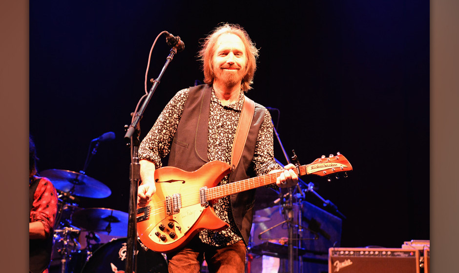 MANCHESTER, TN - JUNE 16:  Tom Petty and Tom Petty & The Heartbreakers perform onstage during day 4 of the 2013 Bonnaroo