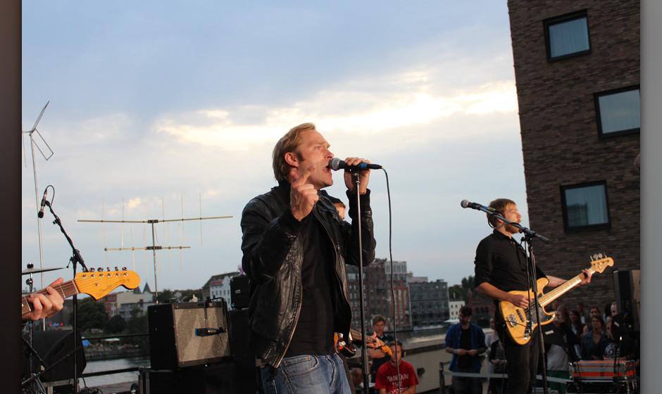Thees Uhlmann & Band beim Auf den Dächern Festival 2013