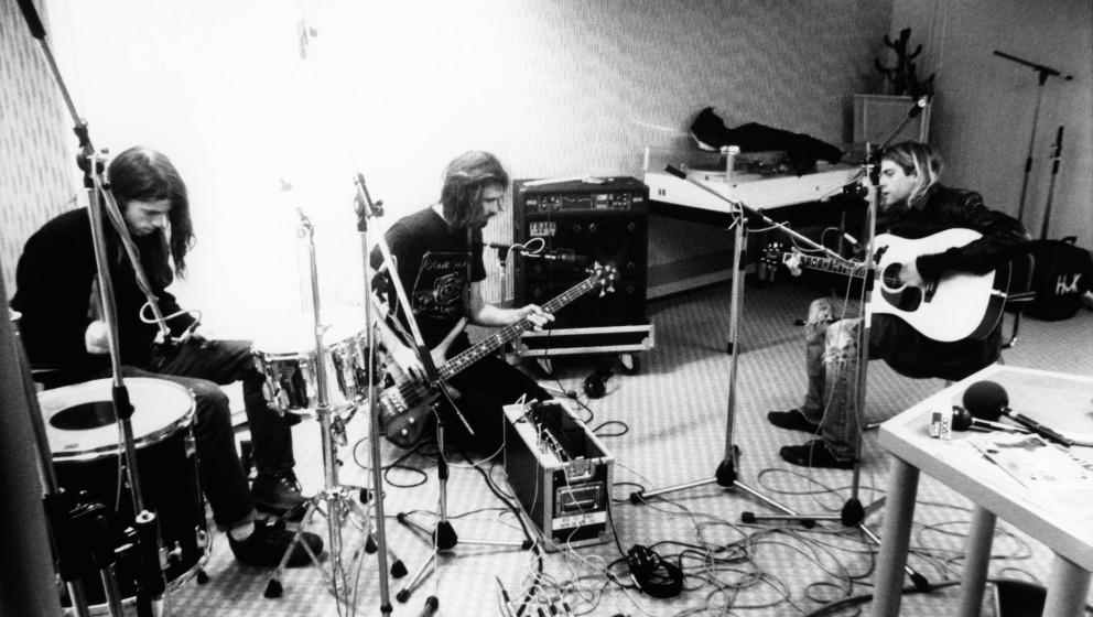 NETHERLANDS - NOVEMBER 25:  HILVERSUM  Photo of NIRVANA, L-R: Dave Grohl, Krist Novoselic & Kurt Cobain - group shot - re