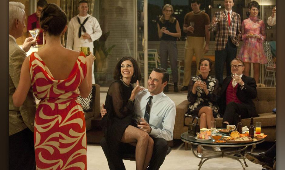 Die Schaupieler Jon Hamm und Jessica Paré in der 5. Staffel der Serie 'Mad Men' / Aufnahmeort und -datum unbekanntNICHT ZUR