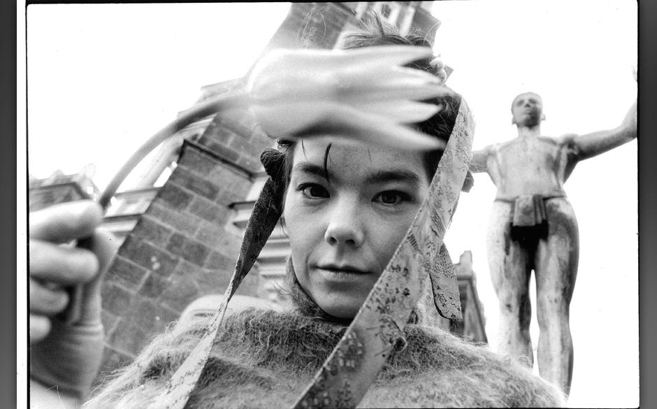 Hamburg, DEU: Bjoerk; Islaendische Musikerin. 11.04.1995ACHTUNG HONORARPFLICHTIG - KEIN VERTRAGSFOTOGRAF| Hamburg, GER: B