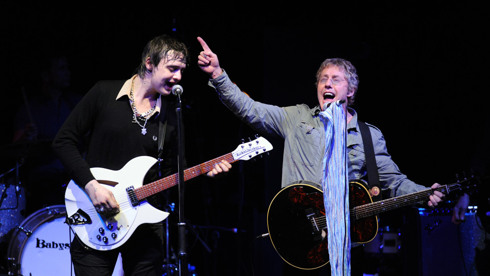 BRISTOL, ENGLAND - DECEMBER 12:  Pete Doherty of Babyshambles (left) and Roger Daltrey of The Who (right) perform a one off c