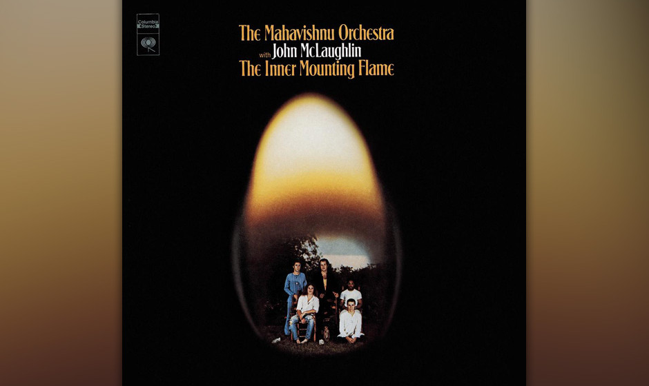 75. Mahavishnu Orchestra - The Inner Mounting Flame (1971). Das erste Album von John McLaughlins Fusion-Band.
