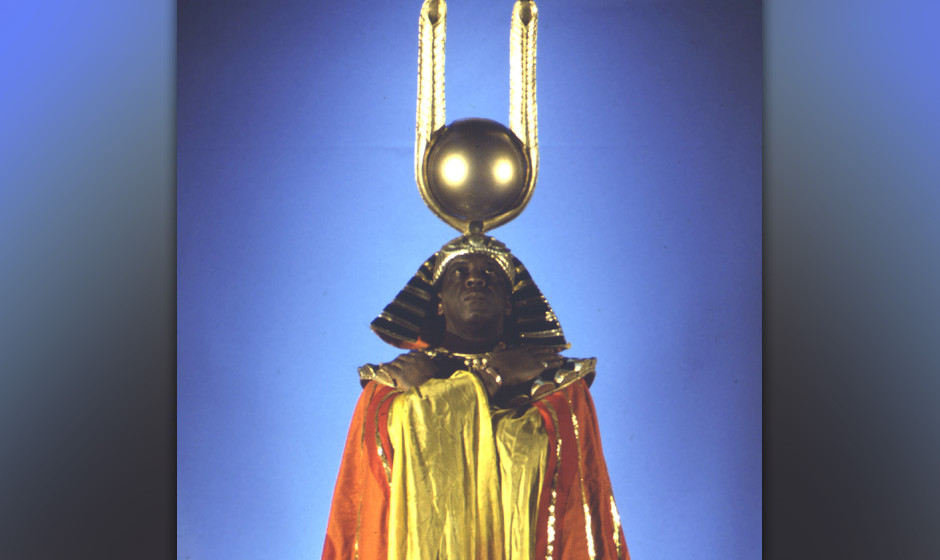 "35. Sun Ra - Space Is The Place (1973). Der Soundtrack zu dem wunderbar psychedelischen Film ""Space Is The Place"" ist der"