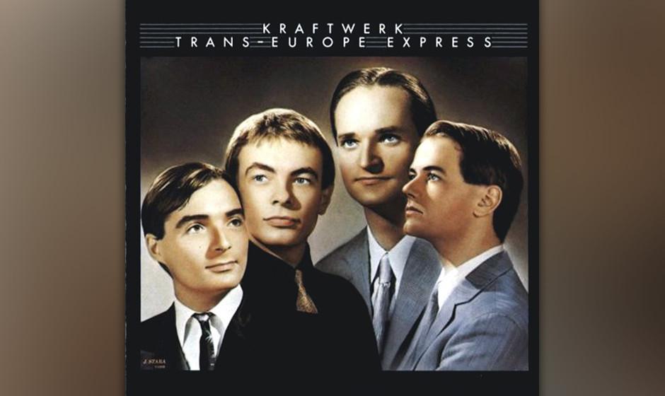 256. Trans-Europe Express: Kraftwerk 1977. Die roboterhaften Synth-Grooves der Düsseldorfer Gruppe beeinflussten Sound-Tüft