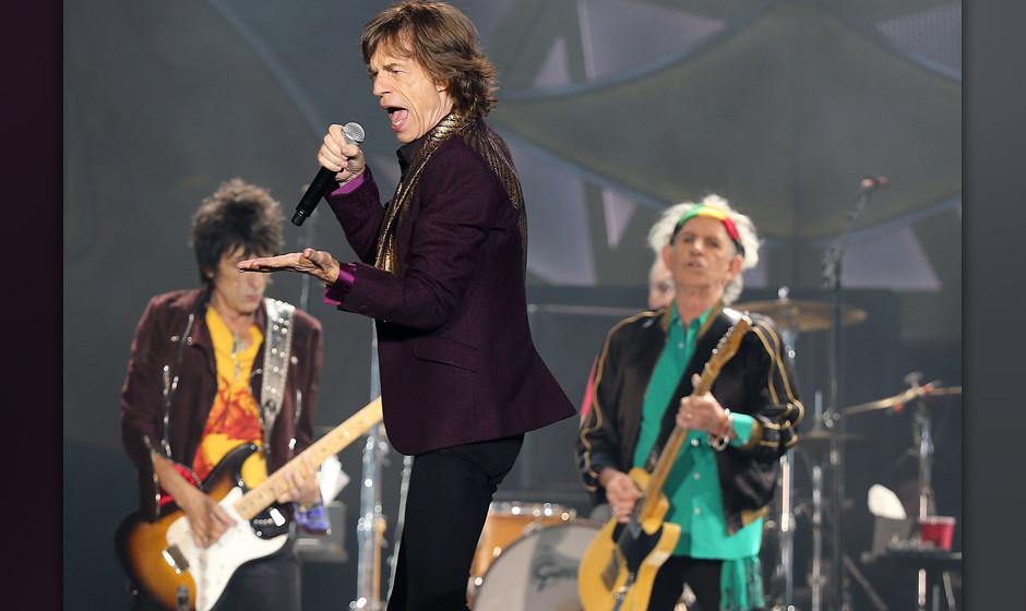 Die Rolling Stones mit Ron Wood (l-r), Mick Jagger und Keith Richards treten am 19.06.2014 in D¸sseldorf (Nordrhein-Westfale