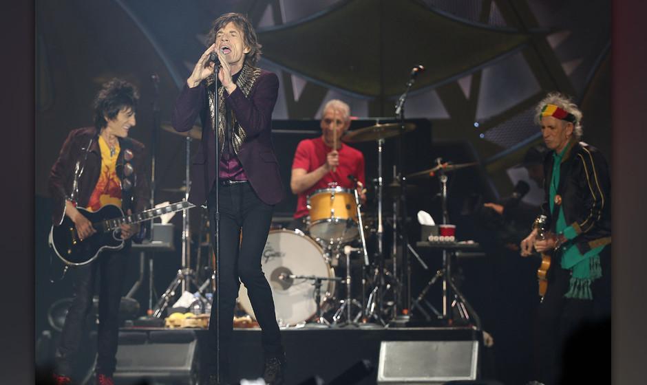 Die Rolling Stones mit Ron Wood (l-r), Mick Jagger, Charlie Watts und Keith Richards treten am 19.06.2014 in D¸sseldorf (Nor