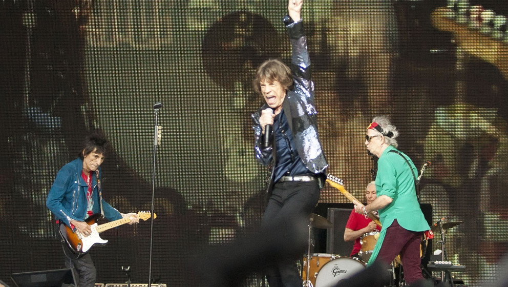 BERLIN, GERMANY - JUNE 10:  (L-R) Ron Wood, Mick Jagger and Keith Richards and  of the British band The Rolling Stones perfor