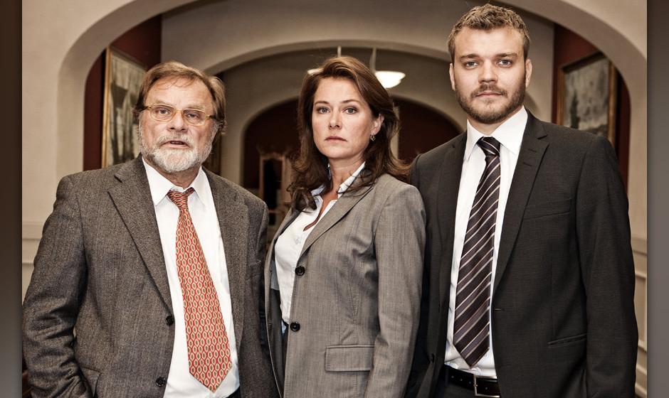 Holdet bag DRs nye dramaserie 'Borgen' stiller op til fotografering pet pressem¯de i dag d.31. august i DR-Byen i ÿresta