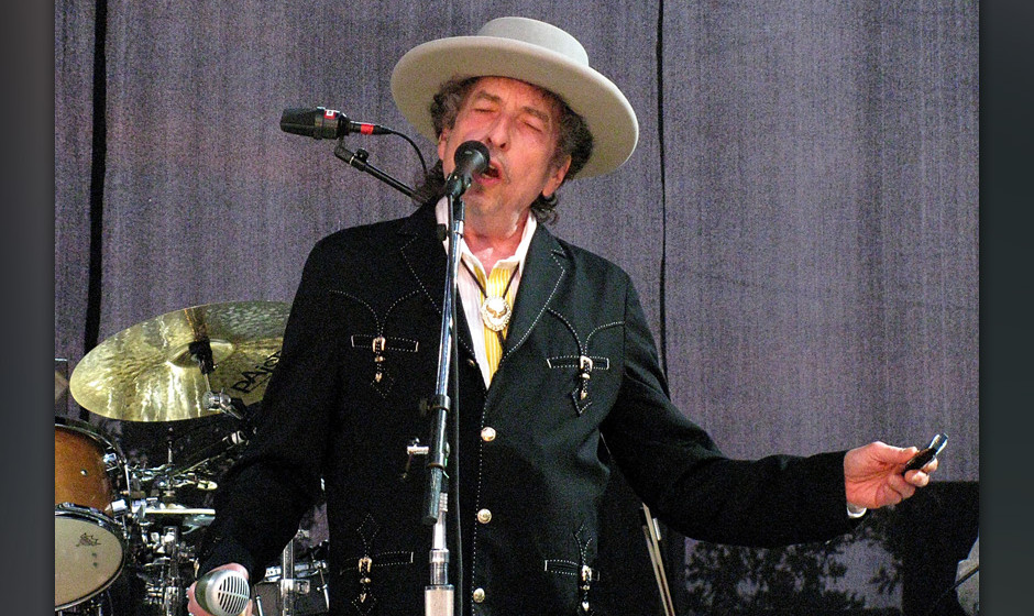 AUSTIN, TX - AUGUST 04:  Bob Dylan performs on the first night of his American tour at The Backyard on August 4, 2010 in Aust