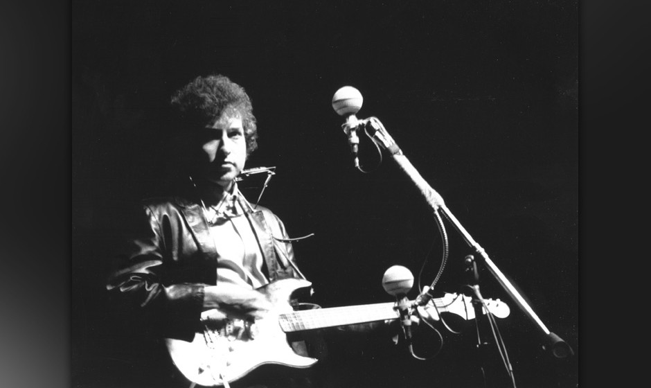 UNSPECIFIED - CIRCA 1960:  Photo of Bob Dylan  (Photo by Alice Ochs/Michael Ochs Archives/Getty Images)