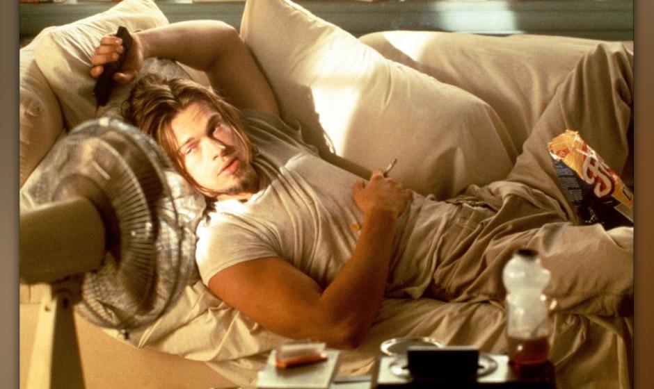 10. True Romance (1993). Brad Pitts bester Moment? Vielleicht. Kaum zu erkennen ist er, als lebender Burn-Out auf der Couch.