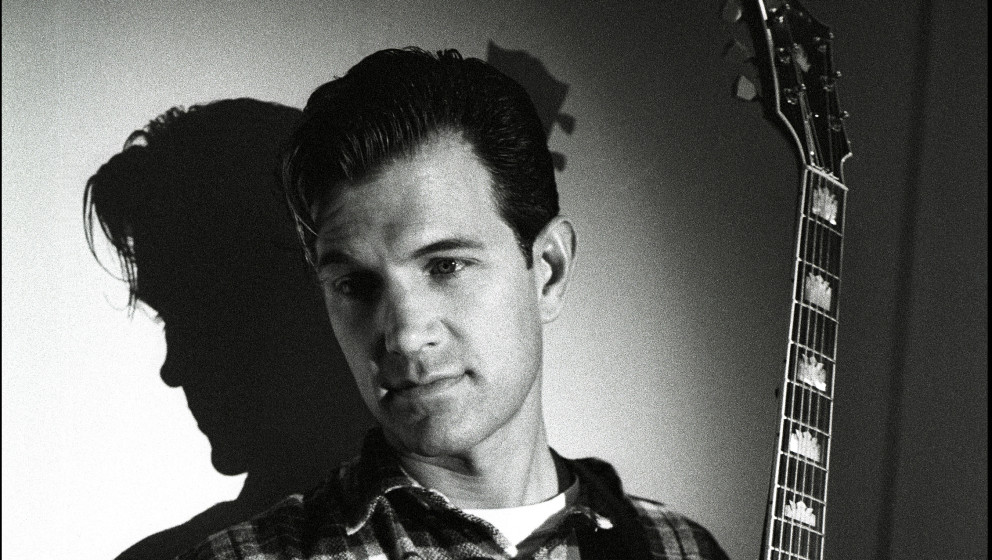 Chris Isaak, portrait, Americain Hotel, Amsterdam, Netherlands, 9th May 1995. (Photo by Rob Verhorst/Redferns)