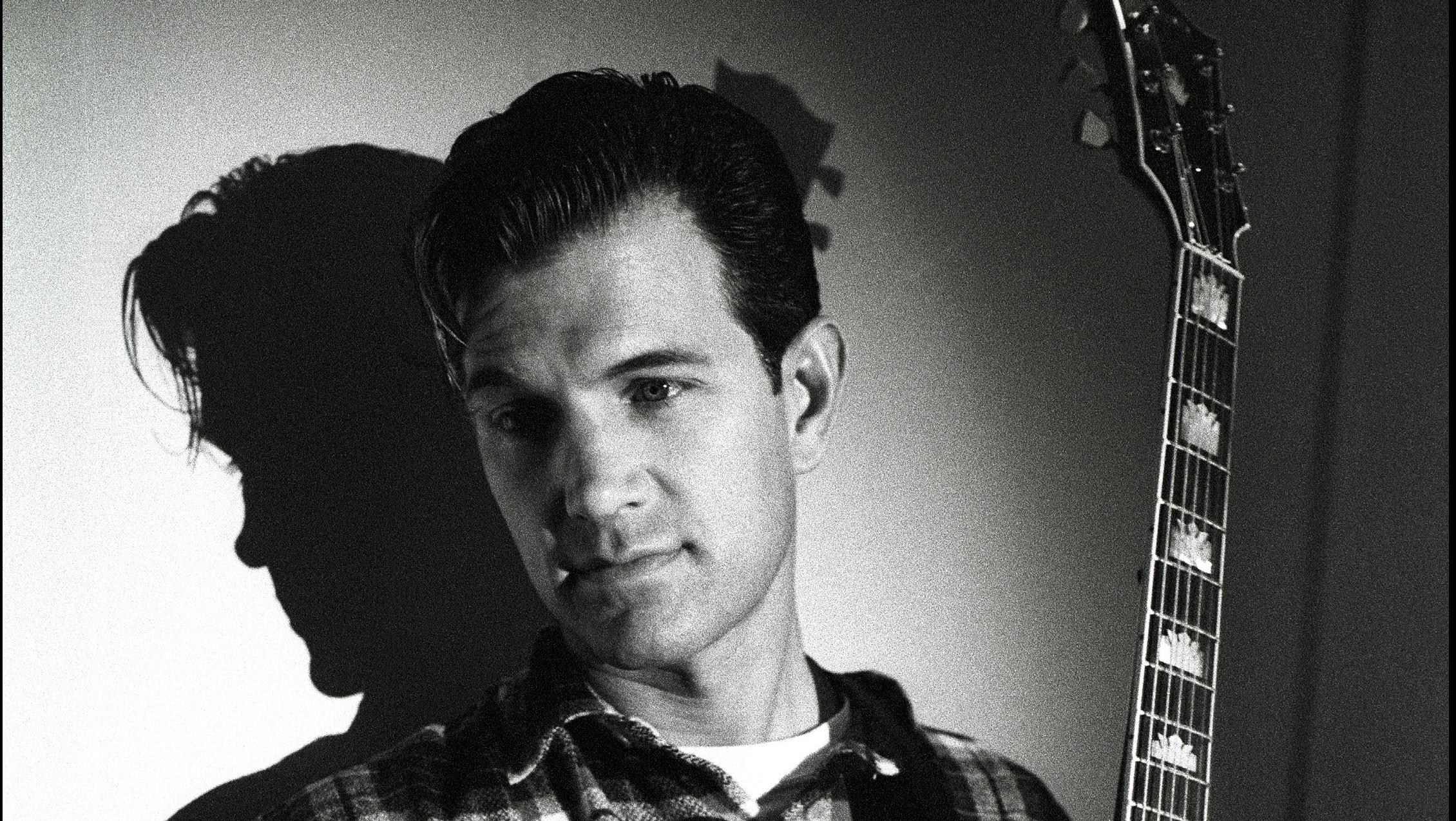 Chris Isaak, portrait, Americain Hotel, Amsterdam, Netherlands, 9th May 1995. (Photo by Rob Verhorst/Redferns)