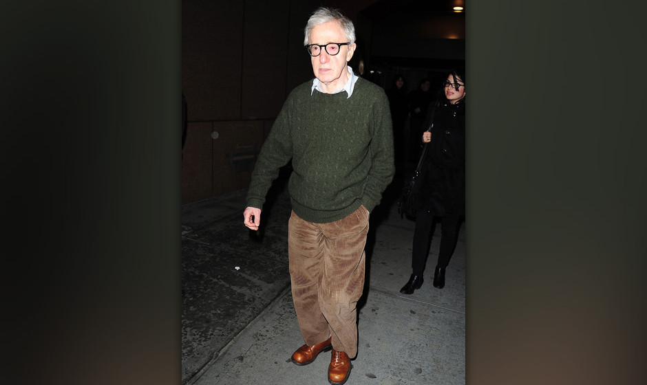 NEW YORK, NY - JANUARY 09: Woody Allen is seen arriving at Madison Square Garden on January 9, 2014 in New York City. (Photo