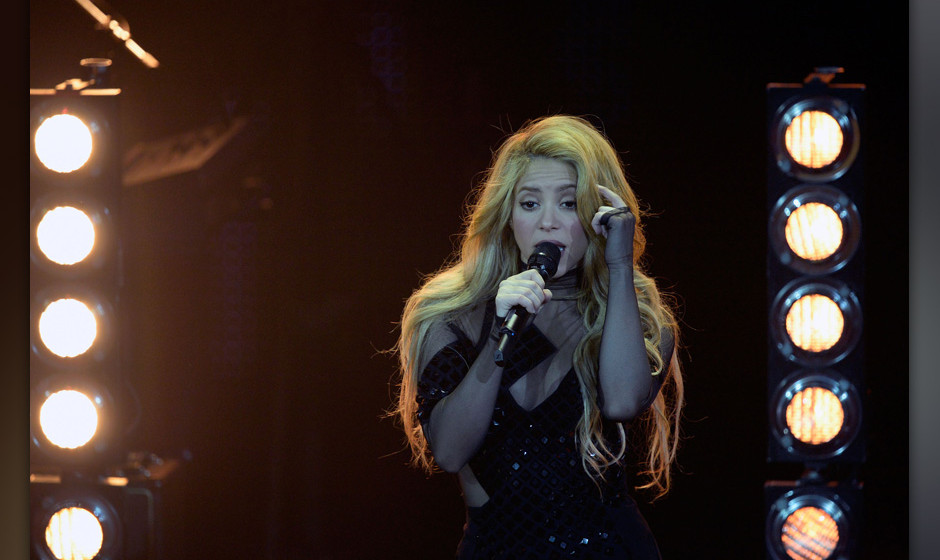 March 27, 2014 - Berlin, GERMANY - Colombian singer Shakira performs during the 2014 Echo Music Awards in Berlin, Thursday, M