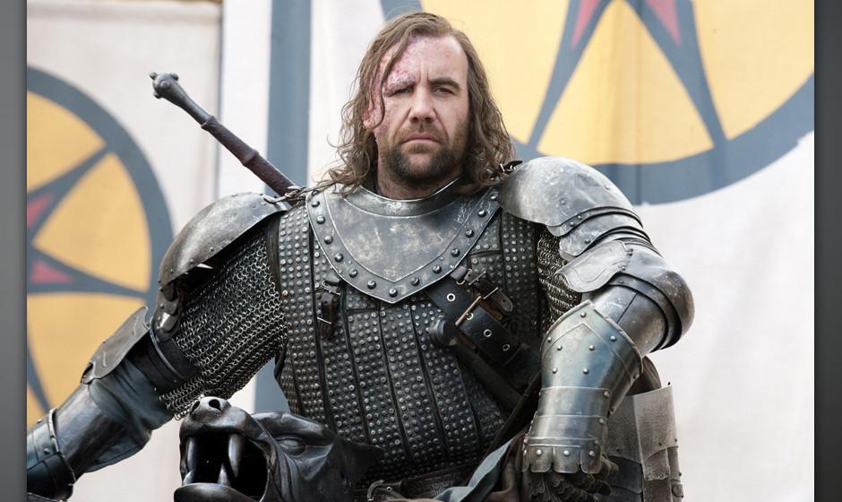 18. Sandor 'Hund' Clegane. Die Verlogenheit der Lannisters hat der Diener längst durchschaut. Sein Spiel ist undurchsichtig: