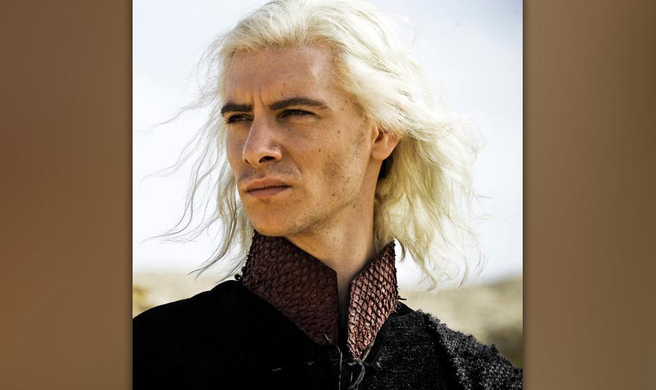 17. Viserys Targaryen. Anders als von ihm selbst behauptet, war er kein Drache. Seine Härte schwand, als Khal Drogo ihm mit