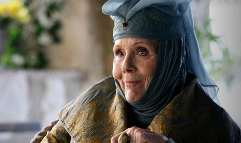 24. Olenna Tyrell. Eine Matriarchin, die nichts von königlichem Benehmen hält, perfekt gespielt von Diana Rigg.
