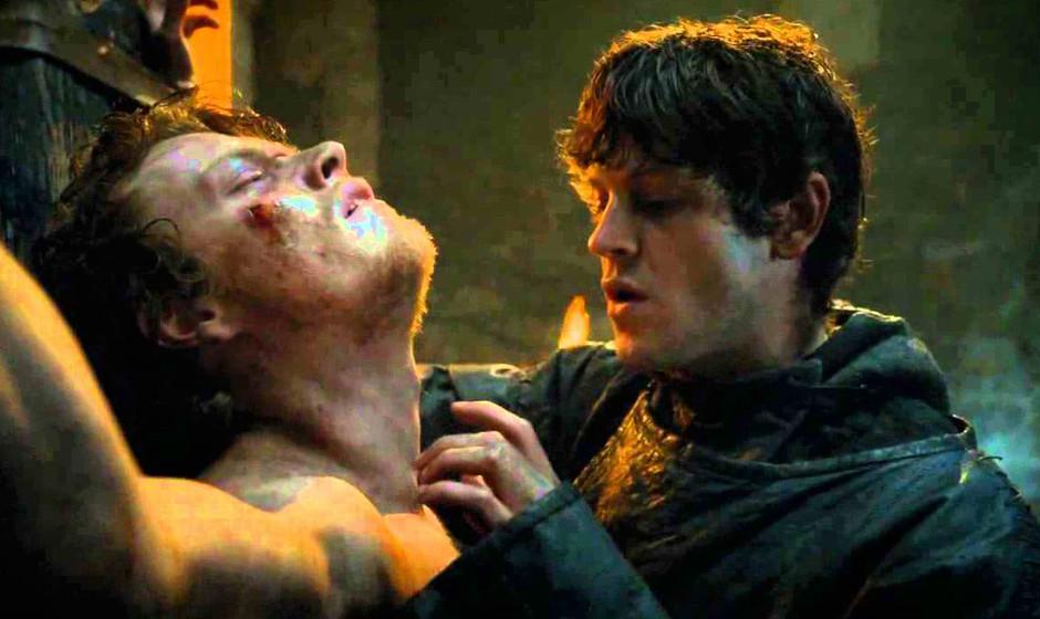38. Ramsay Snow.  In der Serie erhielt der psychopathische Sohn von Roose Bolton noch keinen Namen. Aber als Foltermeister ha