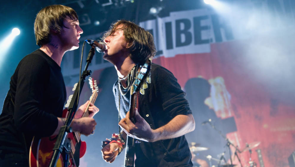 LONDON, ENGLAND - AUGUST 25:  Pete Doherty and Carl Barat of The Libertines perform live at The Forum on August 25, 2010 in L