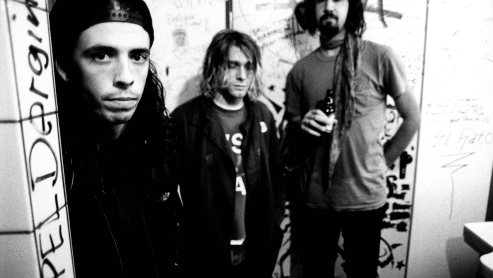 GERMANY - NOVEMBER 12:  Photo of Krist NOVOSELIC and Kurt COBAIN and Dave GROHL and NIRVANA; L-R: Dave Grohl, Kurt Cobain, Kr