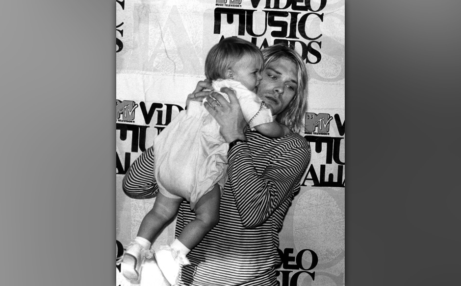 UNITED KINGDOM - JANUARY 01:  MTV AWARDS EUROPE  Photo of NIRVANA, with his daughter Frances Bean  (Photo by Donna Santisi/Re