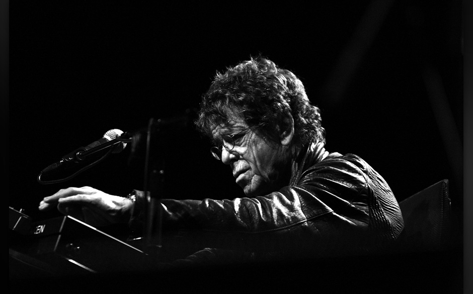 SYDNEY, AUSTRALIA - MAY 30:  (EDITORS NOTE: Image has been converted to black andwhite.) American musician Lou Reed performs