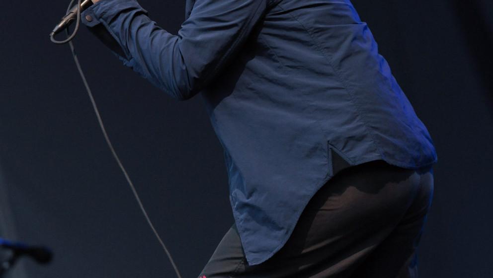 Der Sänger Eddie Vedder der US-amerikanischen Band Pearl Jam steht beim einzigen Deutschlandkonzert der Gruppe am 26.06.2014