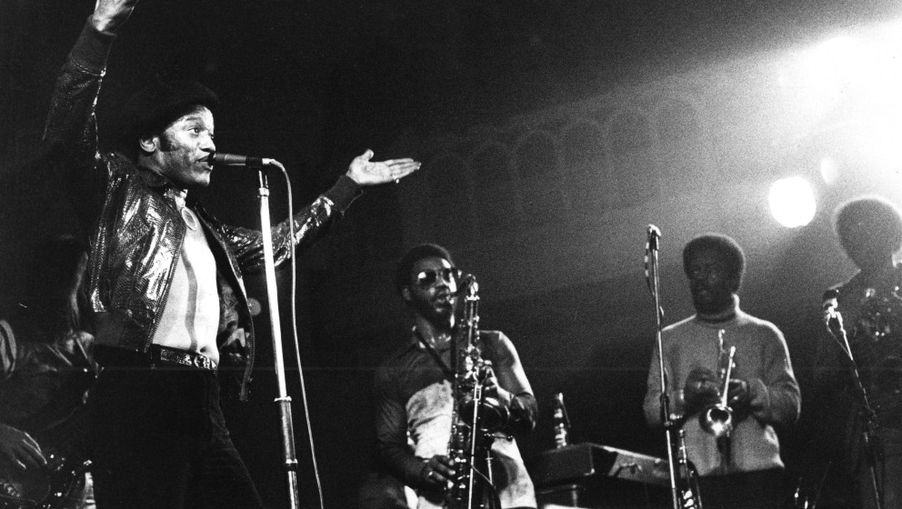 AMSTERDAM, NETHERLANDS: Bobby Womack performs live in Amsterdam, Netherlands in 1976 (Photo by Gijsbert Hanekroot/Redferns)