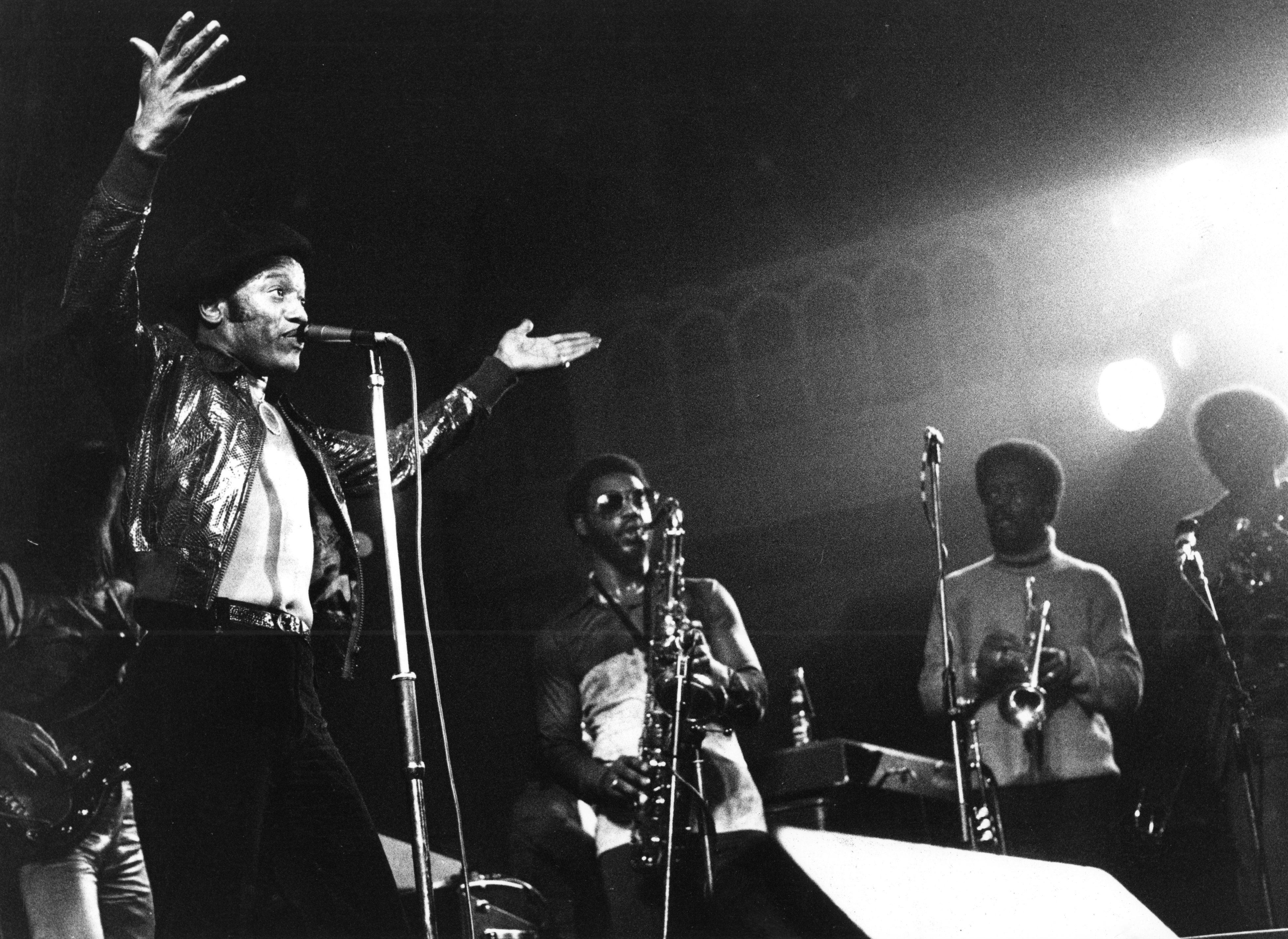 AMSTERDAM, NETHERLANDS: Bobby Womack performs live in Amsterdam, Netherlands in 1976 (Photo by Gijsbert Hanekroot/Redferns)
