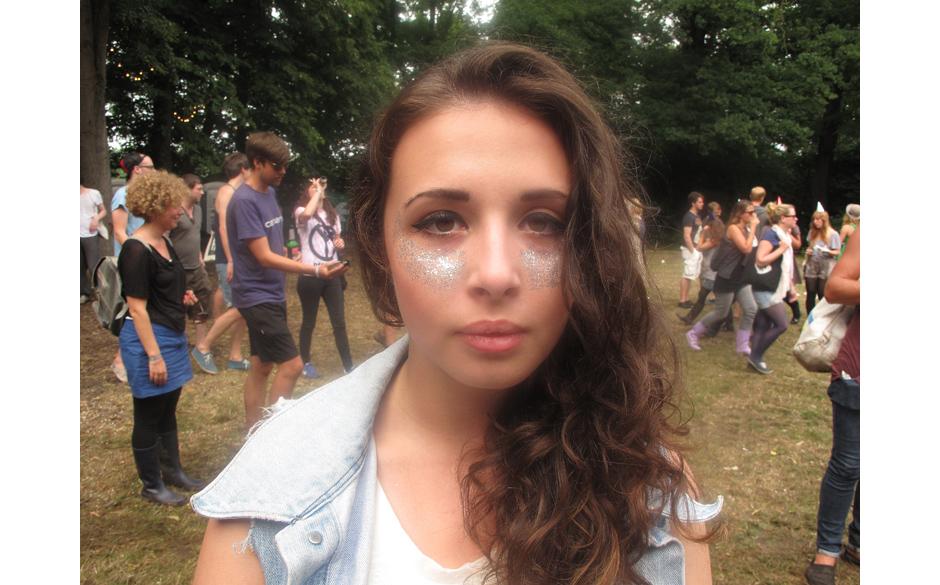Hoppla, diese Dame kennen wir doch! Bereits auf dem Hurricane Festival präsentierte sie ihr Make-Up.