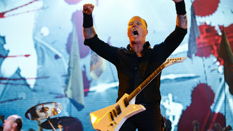 GLASTONBURY, UNITED KINGDOM - JUNE 28: James Hetfield of Metallica performs on Day 2 of the Glastonbury Festival at Worthy Fa