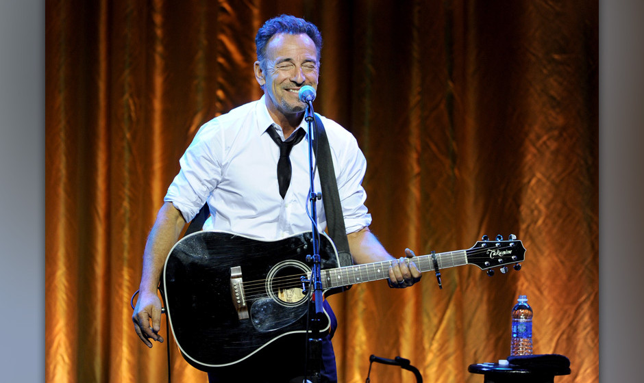 CENTURY CITY, CA - MAY 07:  Musician Bruce Springsteen performs onstage during USC Shoah Foundation's 20th Anniversary Gala a