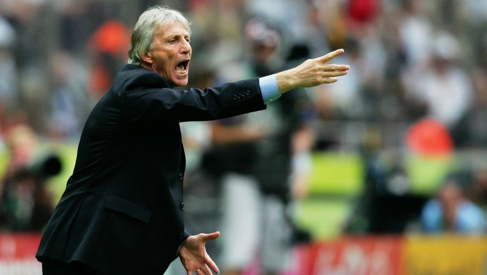 BERLIN - JUNE 30: Manager of Argentina Jose Pekerman shouts instructions to his players during the FIFA World Cup Germany 200
