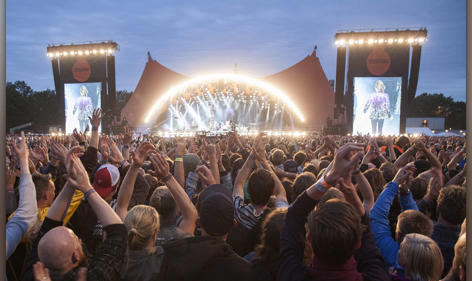 epa04297380 British band The Rolling Stones open the Orange Stage at the Roskilde Festival 2014, southwest of Copenhagen, Den