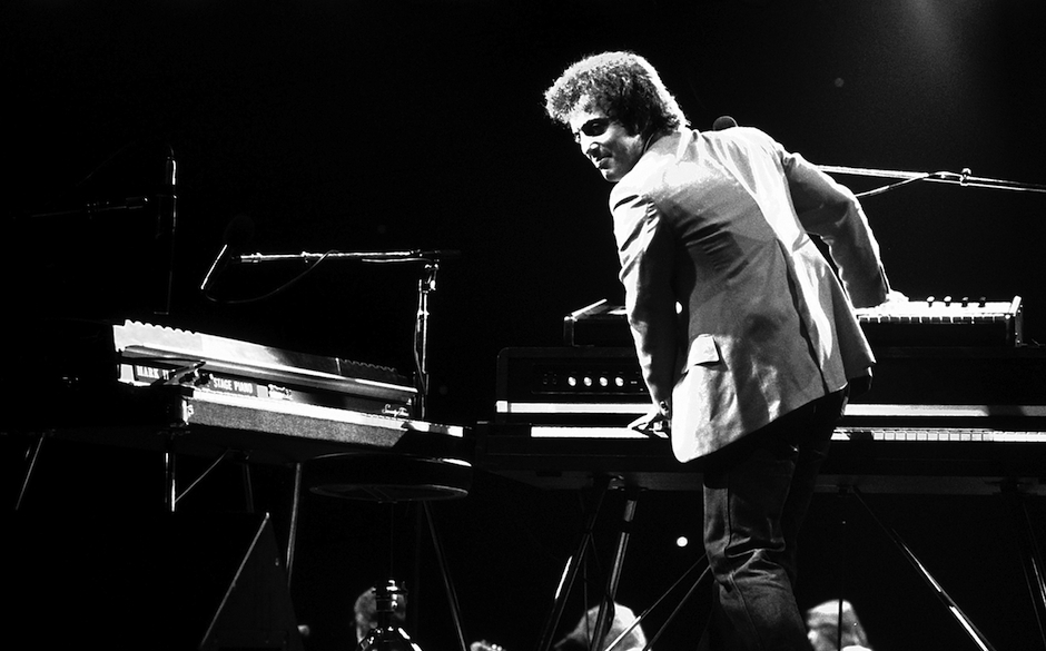 UNITED STATES - JANUARY 01: Billy Joel performs live on stage during his 1980 US tour (Photo by Richard E. Aaron/Redferns)
