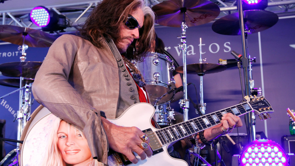 LOS ANGELES, CA - MARCH 10:  Musician Joe Perry of Aerosmith performs onstage during the John Varvatos 10th Annual Stuart Hou