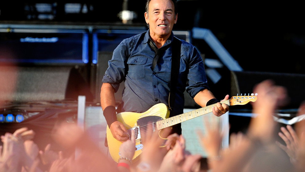 LONDON, ENGLAND - JUNE 30:  Bruce Springsteen performs at Hard Rock Calling Day 2 at Olympic Park on June 30, 2013 in London,
