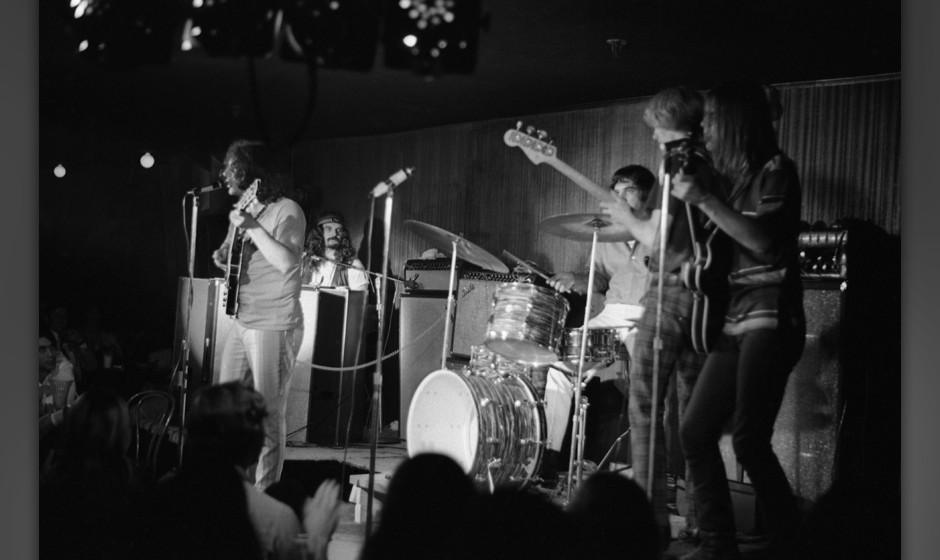 NEW YORK - JUNE 8:  The Grateful Dead (L-R Jerry Garcia, Ron 'Pigpen' McKernan, Bill Kreutzmann, Phil Lesh and Bob Weir) perf