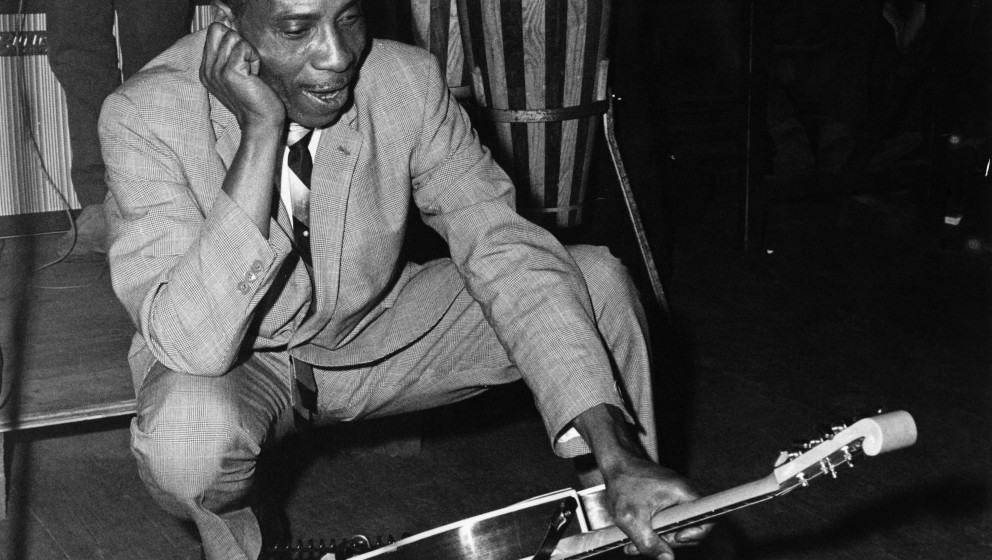 LEICESTER, ENGLAND - 11th OCTOBER: American Blues guitarist T-Bone Walker (1910-1975) posed with a Burns Virginian guitar on